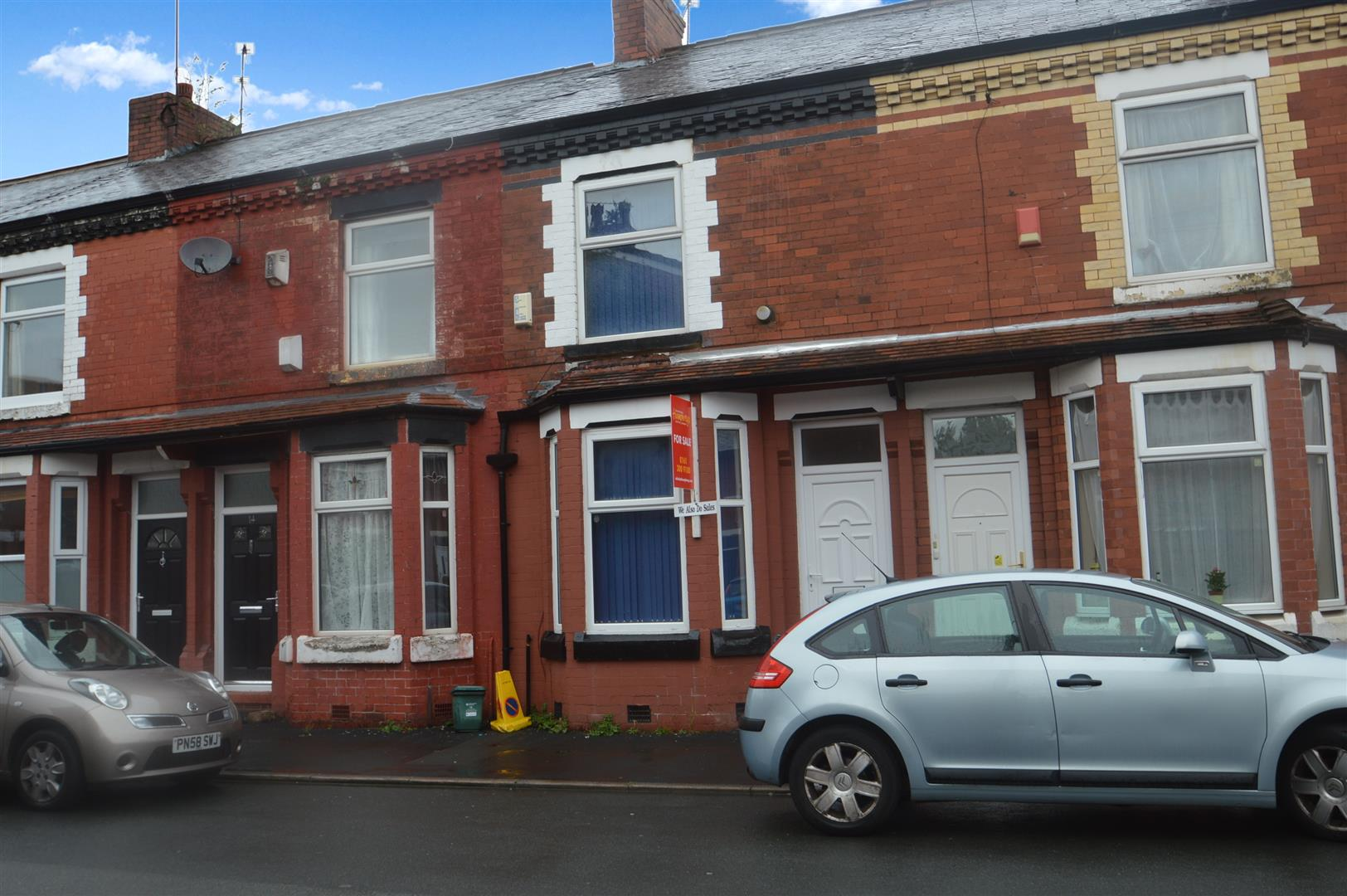 3 Bedrooms Terraced House for sale in Lowestoft Street, Manchester